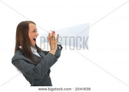 Business Frau schreit in megaphone
