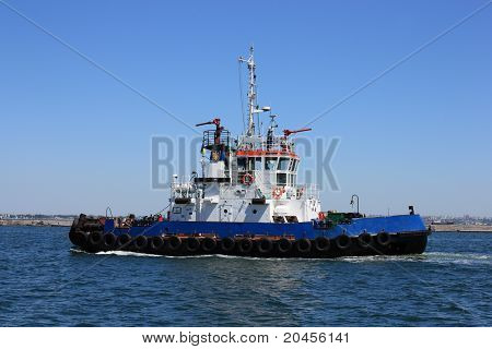 moving towboat