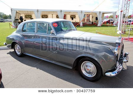 "Kiev - September 11: Retro Rolls-royce Silver Cloud At Yearly Automotive-show ""capital Auto Show 201"