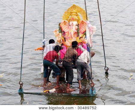 Festival hindú Ganesh inmersión