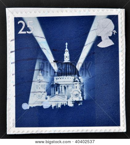 UNITED KINGDOM - CIRCA 1995: A stamp printed in Great Britain shows St Paul's Cathedral and Searchli