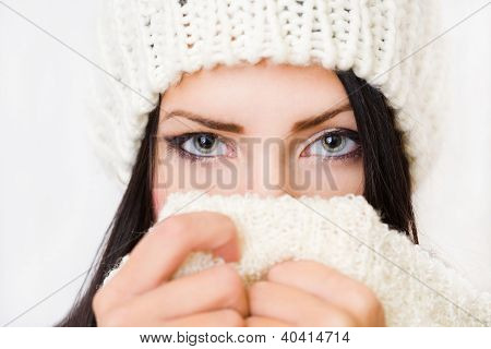 Tímido invierno moda belleza.