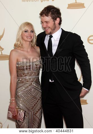LOS ANGELES - AUG 11:  ANNA FARIS & CHRIS PRATT arriving to Emmy Awards 2011  on August 11, 2012 in Los Angeles, CA