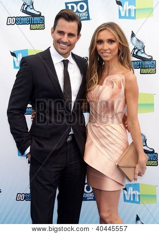 LOS ANGELES - AUG 18:  Giulianna Rancic & husband Bill arriving to Do Something Awards 2012  on August 18, 2012 in Santa Monica, CA