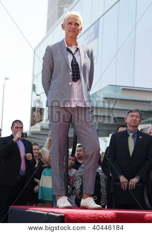 LOS ANGELES - AUG 03:  Ellen Degeneres arriving to Walk of Fame - ELLEN DEGENERES  on August 03, 2012 in Hollywood, CA