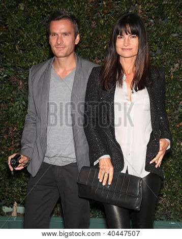 LOS ANGELES - 04 de JUN: BALTHAZAR GETTY & oceanos em wiffe ROSETTA Natural Resources Defense Council