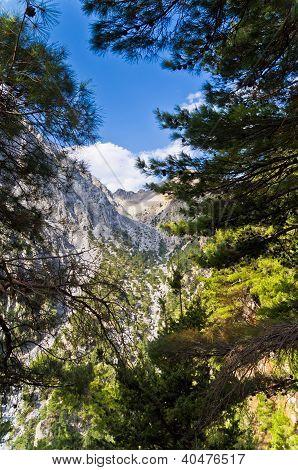Mountain passageway at Samaria gorge