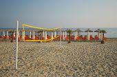 Постер, плакат: Пляжный волейбол нетто на пляже