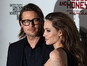 LOS ANGELES - DEC 8:  Brad Pitt & Angelina Jolie