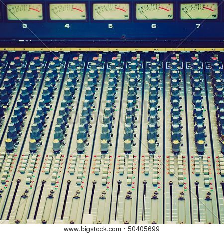 Retro Look Soundboard