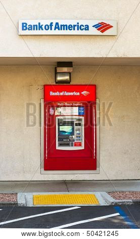 Sacramento, Usa - September 5: Bank Of America Atm Machine On September 5, 2013 In Sacramento, Calif