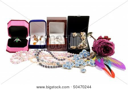 New jewelry in open boxes