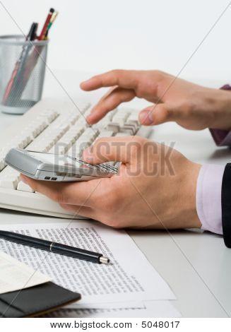 mit Hilfe moderner gadget