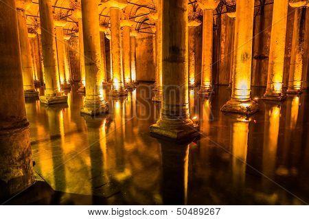 Underground Basilica Cistern (yerebatan Sarnici) In Istanbul, Turkey