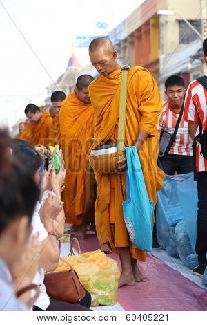 People Give Food Offerings To 12,357 Buddhist Monks