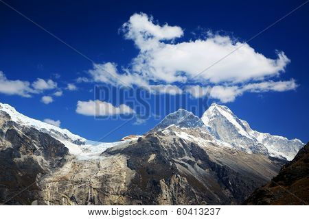 Huascaran Peak (6768m) in Cordiliera Blanca, Peru, South America