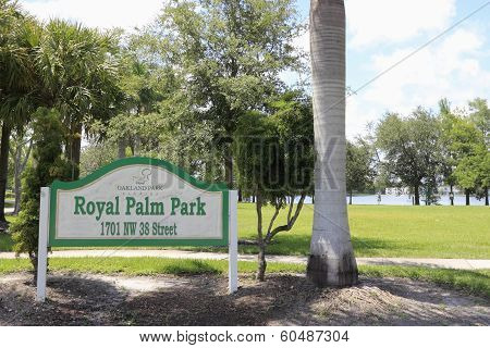 Royal Palm Park Sign