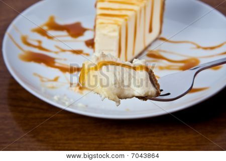 Caramel Drizzled Cheesecake