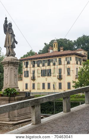 Cassinetta Di Lugagnano (milan)