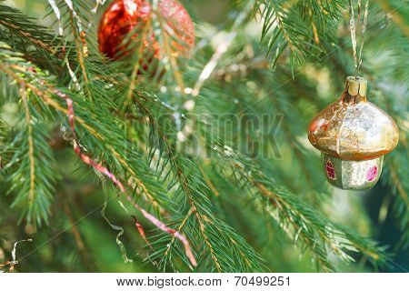 Small Hut And Red Ball Christmas Decoration