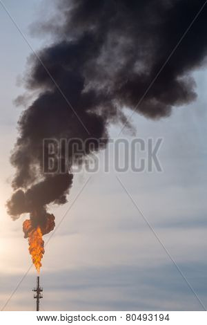 oil reinery Distillation tower with smoke stack pollution