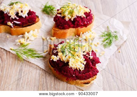 Sandwich With Beetroot And Egg