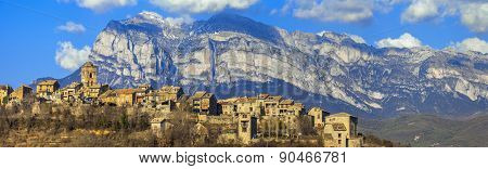 Ainsa - beautiful mountain village in Aragon, Spain (border with France)