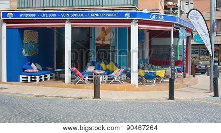 BonaOna diving shop and café lounge