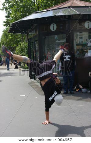 Break Dancer Montmarte