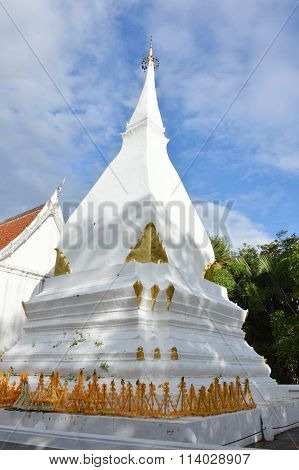 white pagoda in Phra that SI song Rak temple Thailand