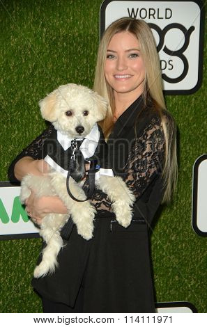 LOS ANGELES - JAN 9:  Justine Ezarik at the The CW World Dog Awards at the Barker Hanger on January 9, 2016 in Santa Monica, CA