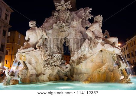 Rome at night. Fountain.