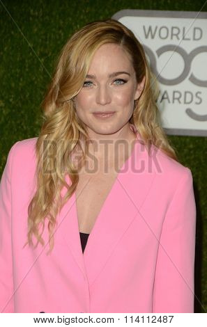 LOS ANGELES - JAN 9:  Caity Lotz at the The CW World Dog Awards at the Barker Hanger on January 9, 2016 in Santa Monica, CA