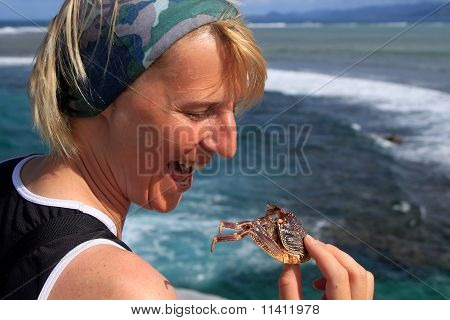 Eating crab