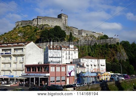 Hotels And Castle