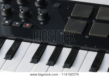Audio Controller With The Keyboard.