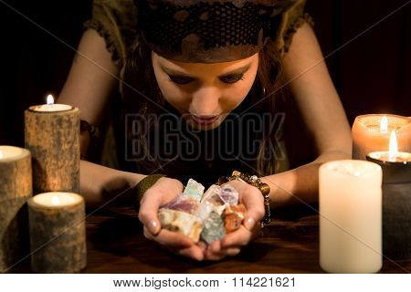 Psychic With A Lots Of Healing Stones