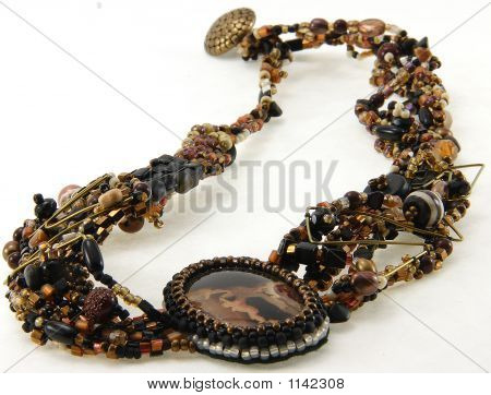 Bead Necklace With Stone