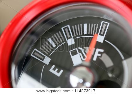 Fuel Gauge With Warning Indicating Quantity Fuel Tank.