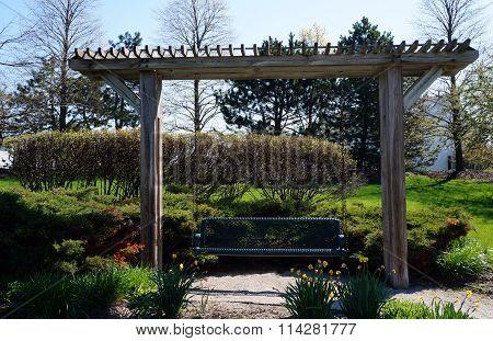 Swing Arbor
