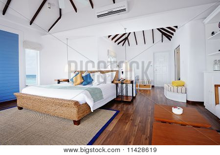 Water Bungalow's Interior