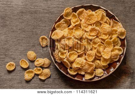 Sweet, tasty cornflakes, dry crispy