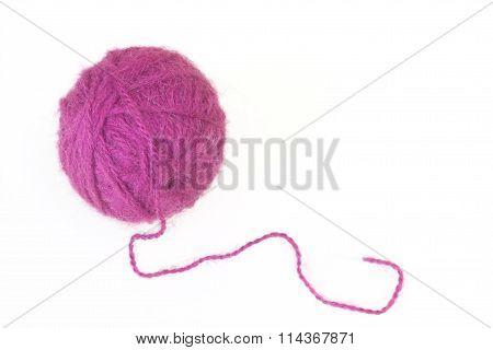 A ball of woolen threads