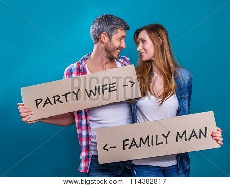 couple with banner with different ideas and wishes description