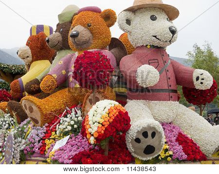 """2011 Rotary Rose Parade Float """"Building Dreams, Friendships and Memories,"""""""