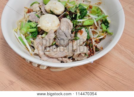 noodle with pork ball and boiled pork