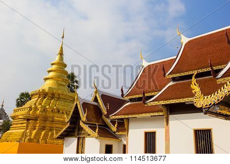 Golden Pagoda at Wat Phra That Sri Chom Thong Thailand.
