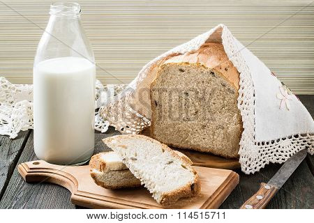 Russian Wholegrain Wheat Bread With Sunflower Seeds