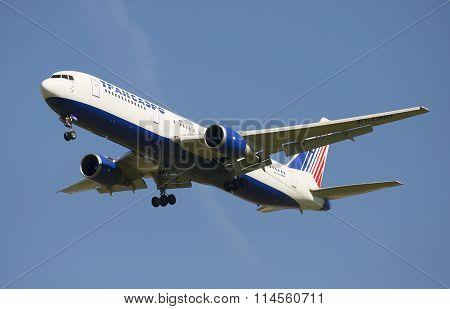 The aircraft Boeing 767 (EI-UND) to Transaero