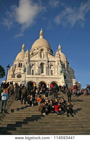 Paris, France - November 27, 2009: Tourists Near The Basilica Of The Sacred Heart Of Paris (sacre-co